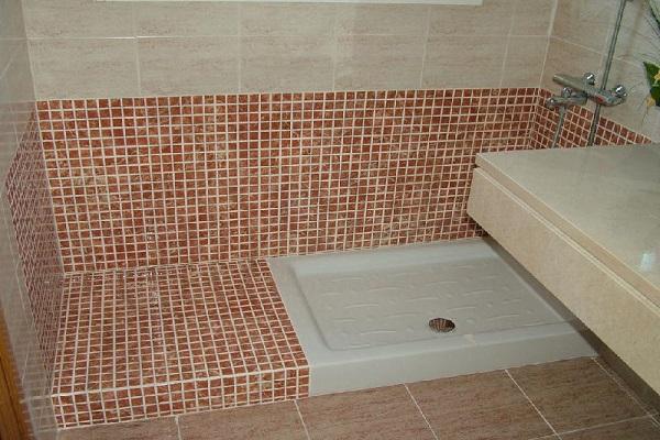 suelos-para-duchas-de-obra